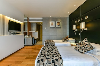 Hotel - The Regale by Tunga