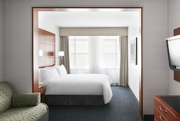 Suite, 1 Queen Bed, Kitchenette (One Room Suite With Kitchenette)