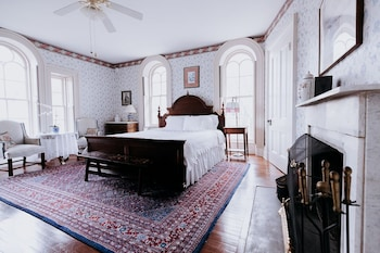 Premium Tek Büyük Yataklı Oda, Banyolu/duşlu (southern Charm Room)