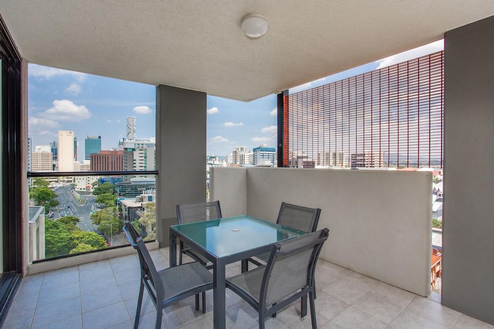 리퍼블릭 아파트먼츠(Republic Apartments) Hotel Image 22 - Balcony