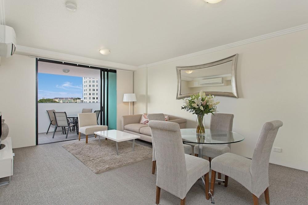 리퍼블릭 아파트먼츠(Republic Apartments) Hotel Image 21 - Living Area