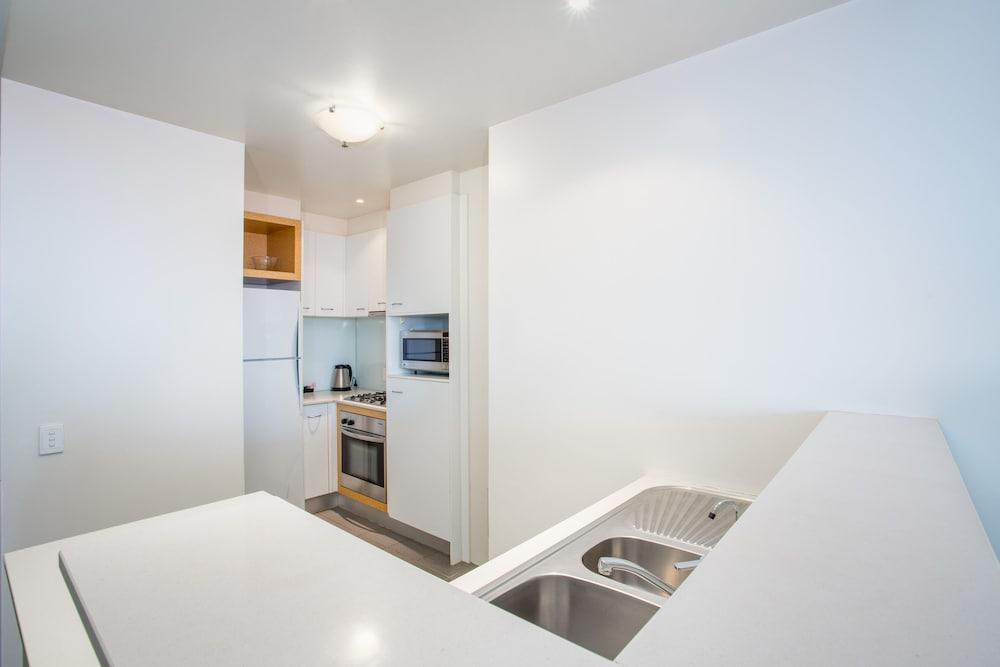 리퍼블릭 아파트먼츠(Republic Apartments) Hotel Image 14 - In-Room Kitchen
