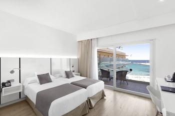 Superior Double Room, Balcony, Partial Sea View