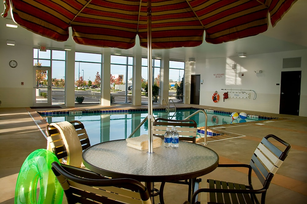 Pool : Indoor Pool 1 of 47