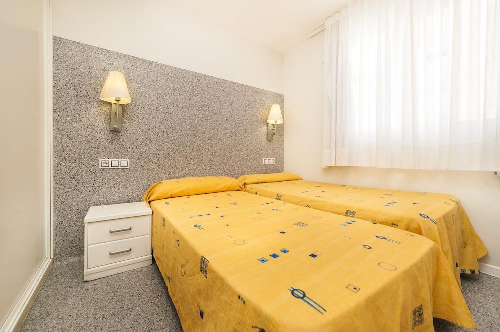 아파르타멘토스 믹스 바히아 레알(Apartamentos Mix Bahia Real) Hotel Image 11 - Guestroom