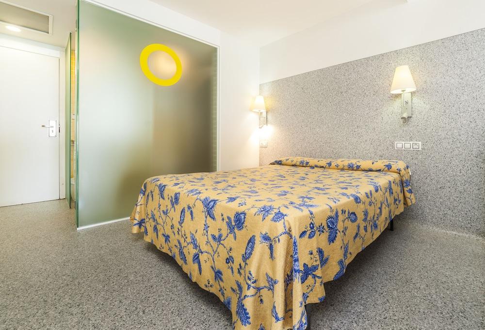 아파르타멘토스 믹스 바히아 레알(Apartamentos Mix Bahia Real) Hotel Image 7 - Guestroom