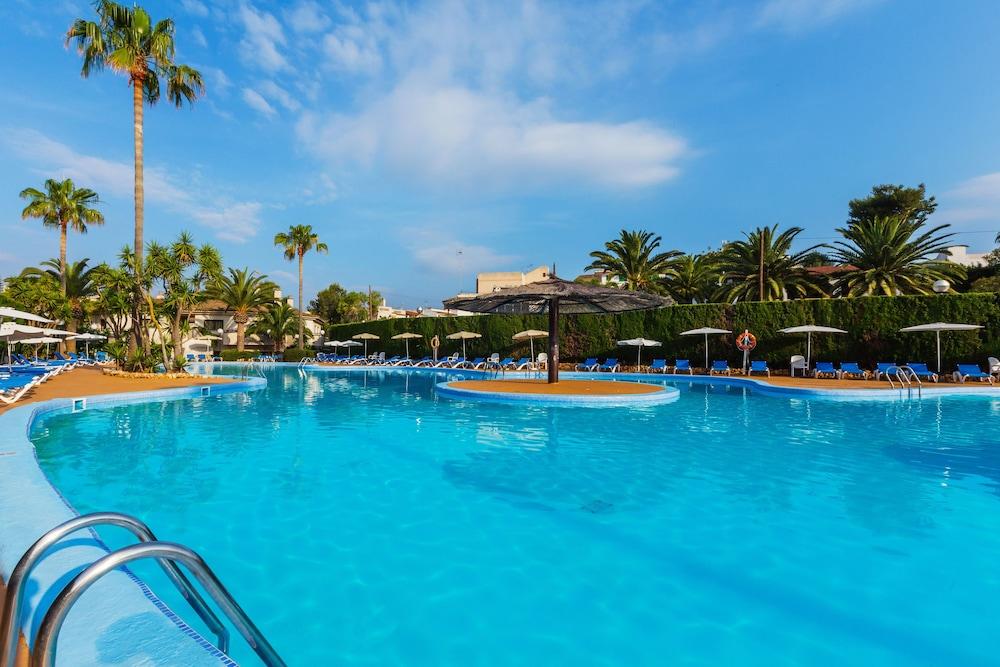 JS 에스 코르소(JS Es Corso) Hotel Image 3 - Pool