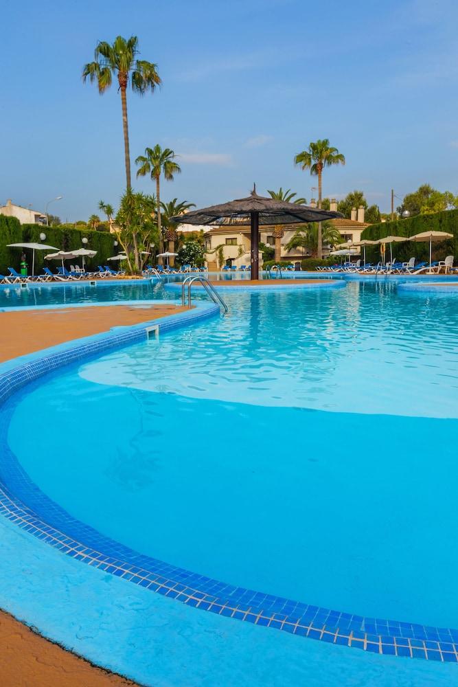 JS 에스 코르소(JS Es Corso) Hotel Image 4 - Pool