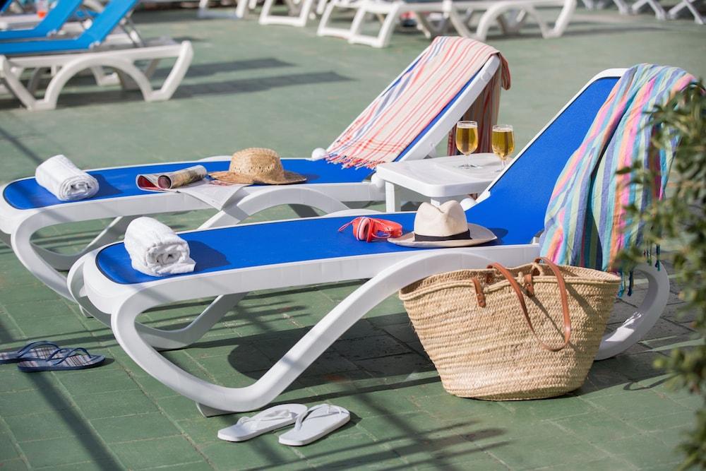 호텔 피시스 - 성인전용(Hotel Piscis - Adults Only) Hotel Image 15 - Sundeck
