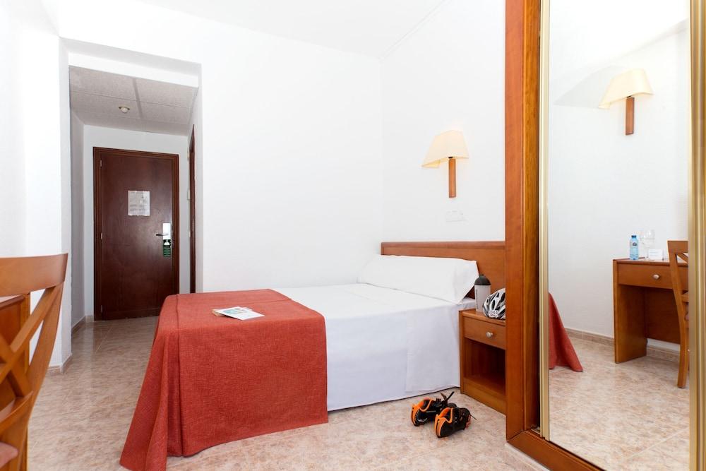 호텔 피시스 - 성인전용(Hotel Piscis - Adults Only) Hotel Image 8 - Guestroom