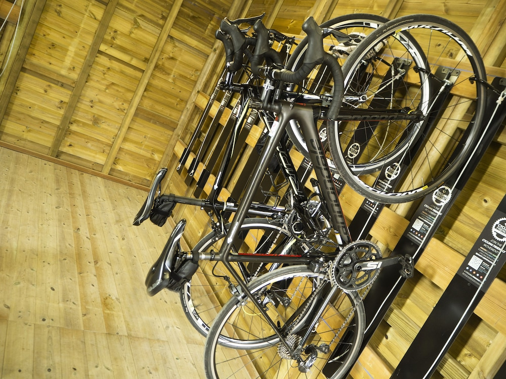 호텔 피시스 - 성인전용(Hotel Piscis - Adults Only) Hotel Image 20 - Bicycling