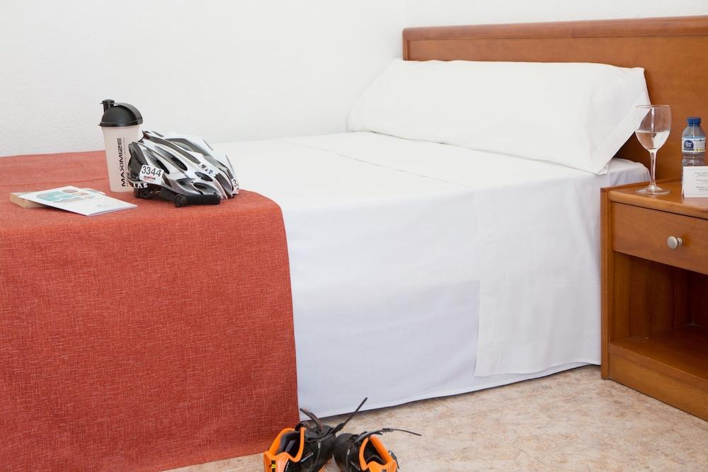 호텔 피시스 - 성인전용(Hotel Piscis - Adults Only) Hotel Image 5 - Guestroom