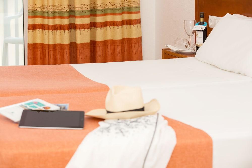 호텔 피시스 - 성인전용(Hotel Piscis - Adults Only) Hotel Image 11 - Guestroom