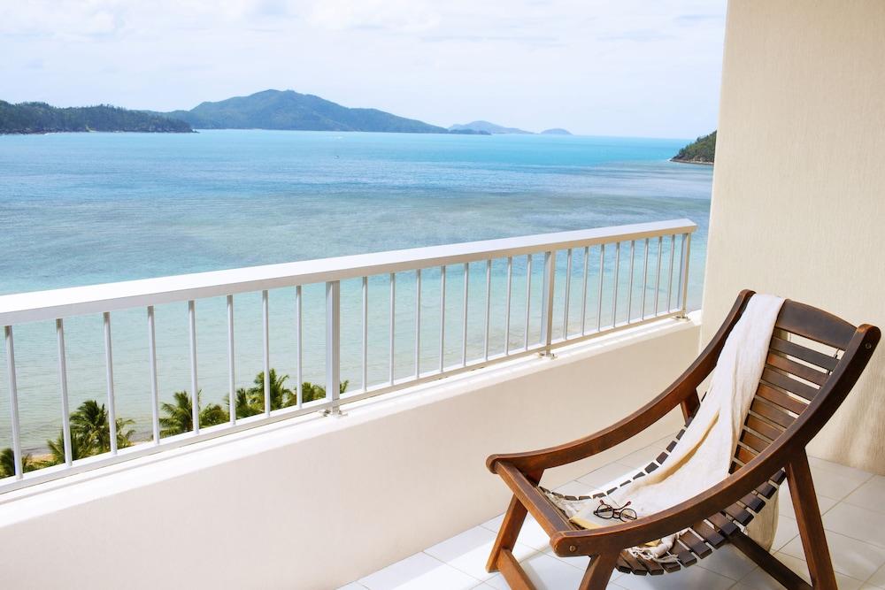 https://i.travelapi.com/hotels/3000000/2160000/2159100/2159076/3b58e220_z.jpg
