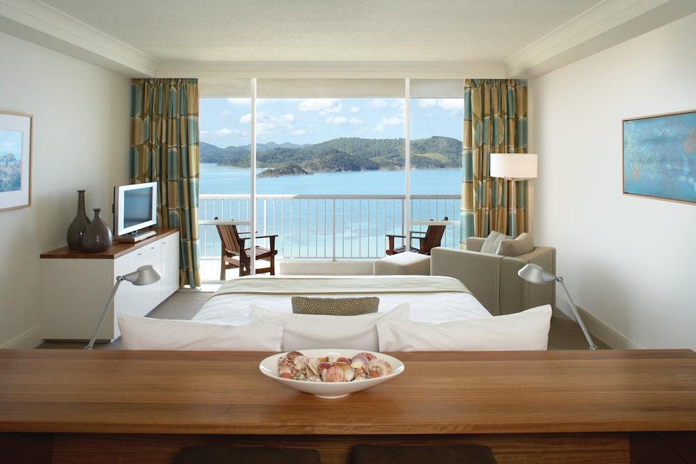 https://i.travelapi.com/hotels/3000000/2160000/2159100/2159076/65699bc0_z.jpg
