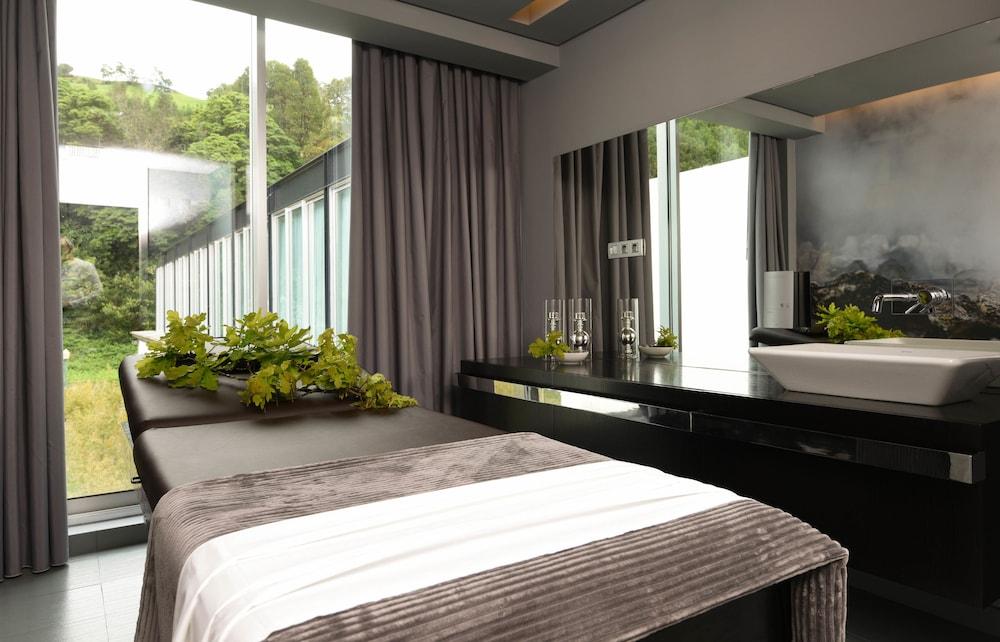 https://i.travelapi.com/hotels/3000000/2160000/2159100/2159092/c4391c53_z.jpg