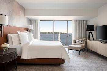 Two-Bedroom Deluxe Elliott Bay Suite
