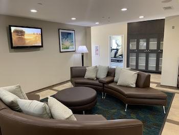 Suites of Grand Prairie