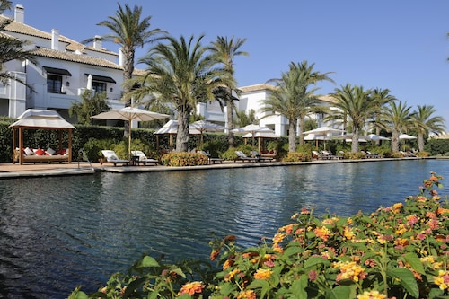 __{offers.Best_flights}__ Finca Cortesin Golf & Spa
