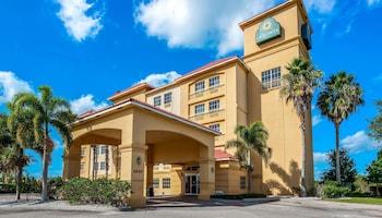 匹爾斯堡溫德姆拉昆塔套房飯店 La Quinta Inn & Suites by Wyndham Ft. Pierce