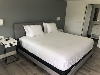 Hotel - The Coast