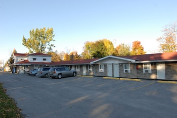 Hotel - Kings Inn - Orillia