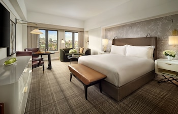 Premier Room, 1 King Bed, City View