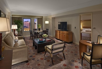 Premier Suite, 1 King Bed, Accessible (Roll-In Shower)