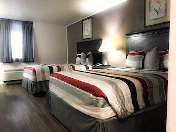 Superior Room, 2 Queen Beds, Poolside