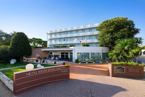 . Hotel Mioni Royal San