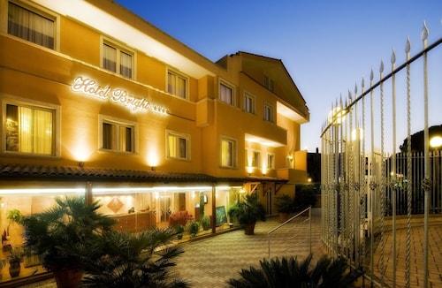 . Hotel Bright