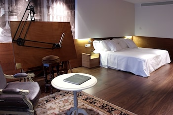Deluxe Double Room Single Use (Historical)
