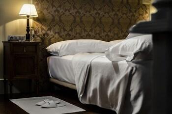 Standard Double Room (Estafeta)