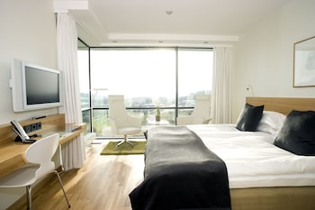 Twin Or Double Room With Park View
