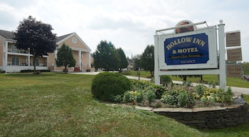 Hotel - Hollow Inn and Motel