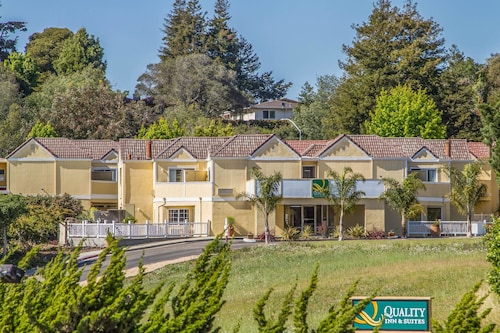 . Quality Inn & Suites Capitola By the Sea