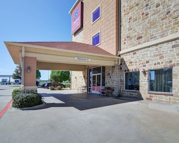 Exterior at Comfort Suites in Fort Worth