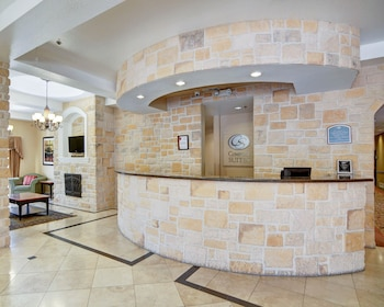 Lobby at Comfort Suites in Fort Worth