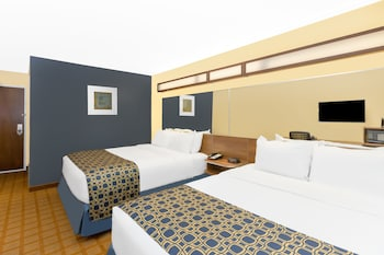 Microtel Inn & Suites by Wyndham Kearney