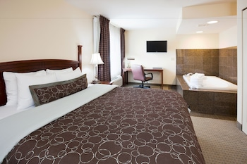Suite, 1 King Bed, Kitchen (Whirlpool)