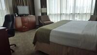 Hotel room image 200782944