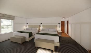 Deluxe Suite 2 King Beds