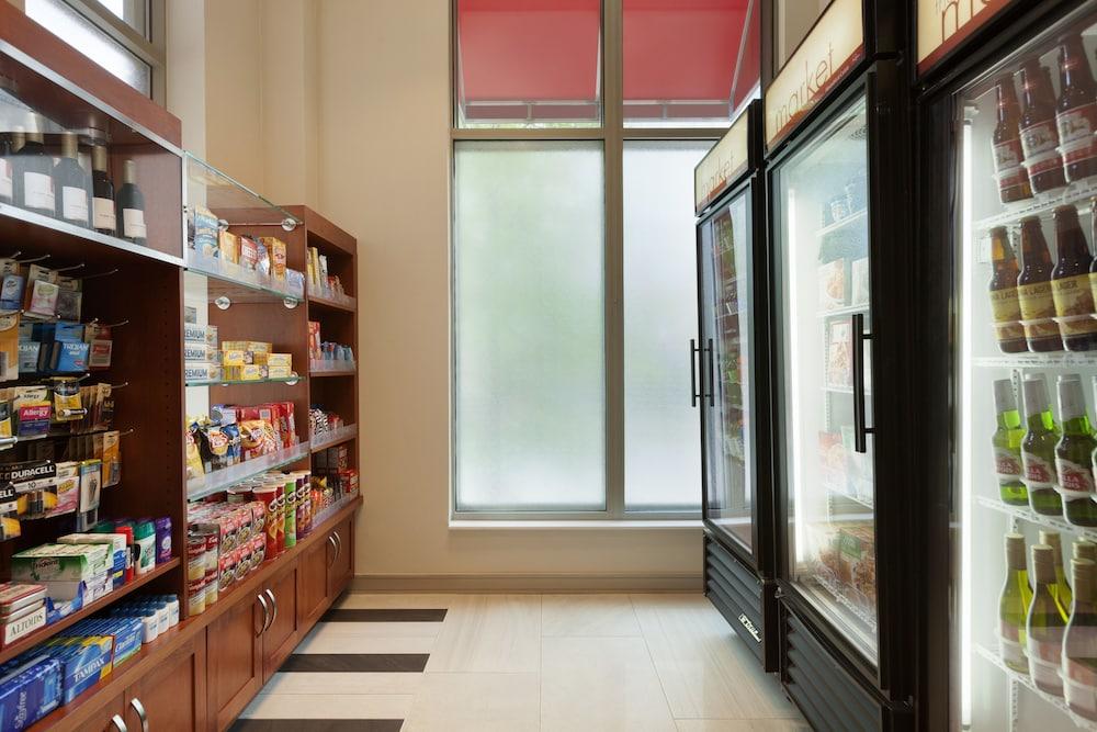Snack Bar