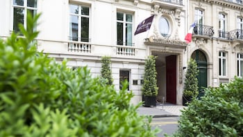 Book InterContinental Paris Avenue Marceau in Paris.