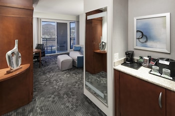 Junior Suite, 1 Bedroom, Non Smoking, Balcony