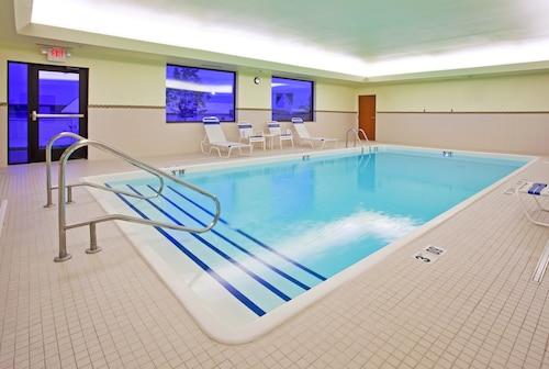 Holiday Inn Express & Suites Howell, Livingston