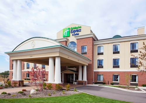 . Holiday Inn Express & Suites Howell
