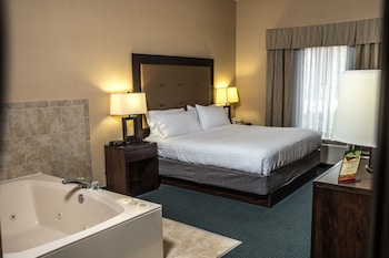 Standard Room, 1 King Bed, Jetted Tub