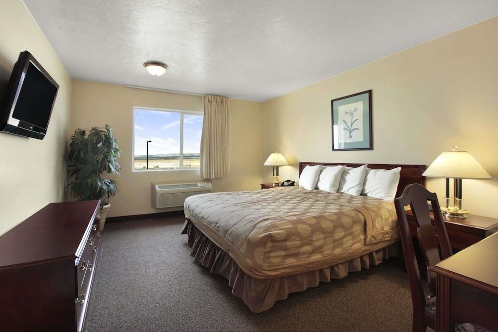 데이즈 인 바이 윈덤 비버(Days Inn by Wyndham Beaver) Hotel Image 21 - Guestroom