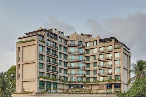 . Goldfinch Hotel